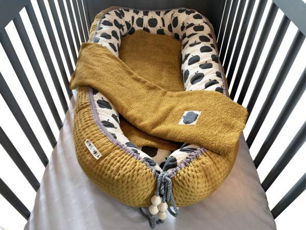 Babynestchen-XL, Babycocoon, Stubenwagen Wiege, Senfgelb, Apfelmuster, mit Schutzeinlage